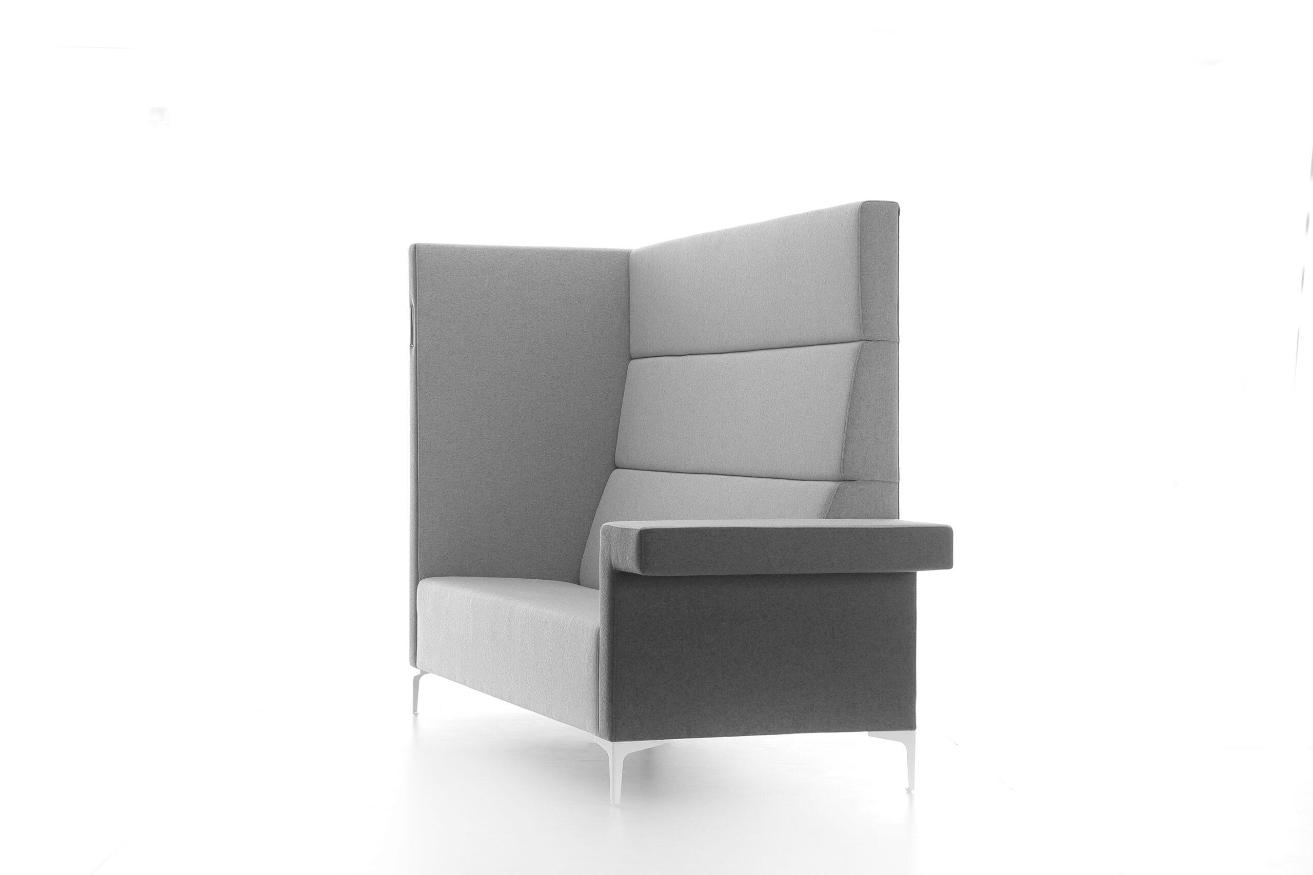 Cara High-sofa i grå
